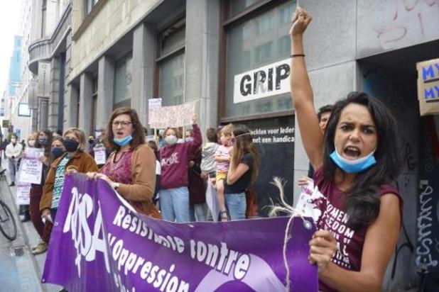 """Campagne Rosa zegt in negen steden """"Stop tegen seksistisch en LGBTQI+-foob geweld"""""""