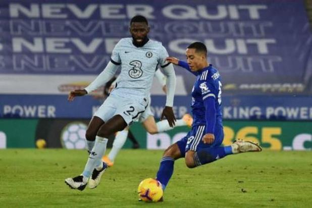 Belgen in het buitenland - Tielemans en Castagne nemen met Leicester leiding in Premier League