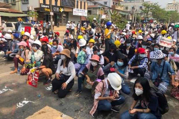 Zes pro-democratische betogers gedood in Myanmar