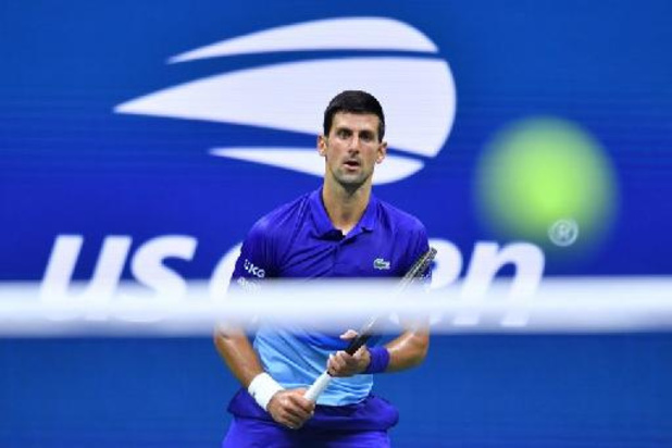 Novak Djokovic cède une manche, Pablo Carreno-Busta sorti d'entrée
