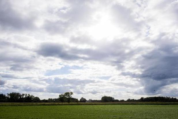 Ciel changeant avec des averses de pluie ou de grésil jeudi