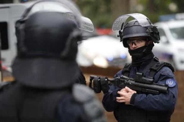 Attaque à Paris - La garde à vue du deuxième suspect levée, un autre homme en garde à vue
