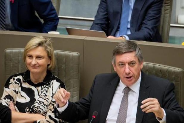 Vlaams Parlement geeft regering het vertrouwen