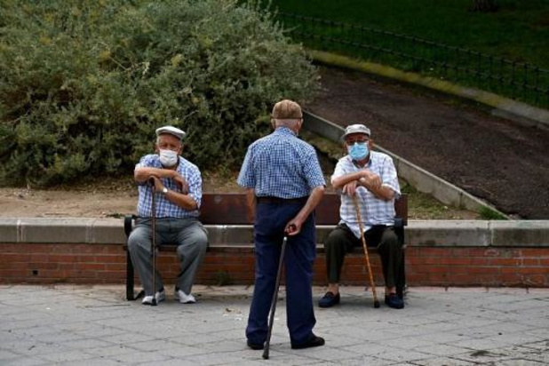 L'Espagne vaccinera en premier les personnes âgées en maison de retraite