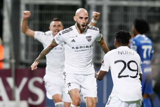 Jupiler Pro League - Eupen, bien que réduit à dix, arrache la victoire contre Genk et rejoint l'Antwerp en tête