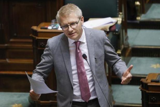 Le ministre Gilkinet davantage favorable aux stages de conduite qu'aux amendes