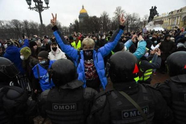 Navalny: 3.300 arrestations en Russie, une manifestante en soins intensifs