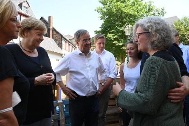 Bondskanselier Merkel bezoekt door noodweer getroffen deelstaat Noordrijn-Westfalen