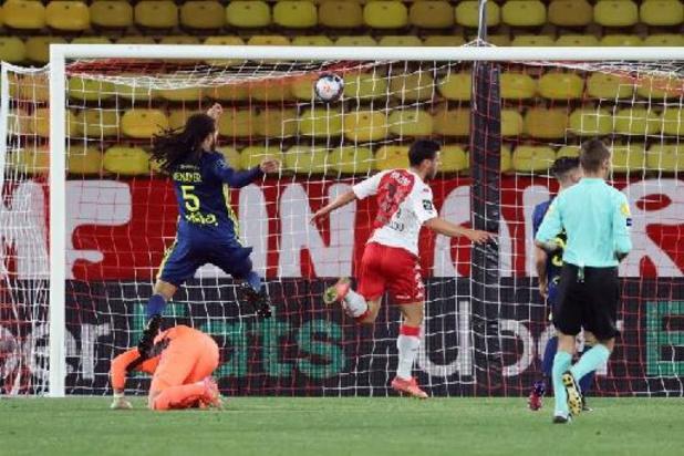 Lyon joue un mauvais tour à Monaco, mais Denayer sort sur blessure