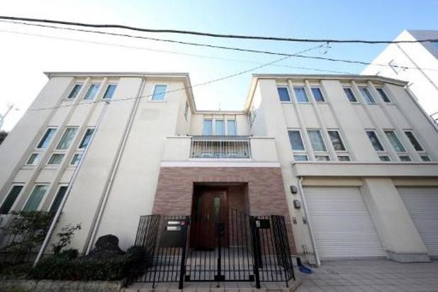 Ghosn te zien op camerabeelden als hij huis verlaat in Tokio