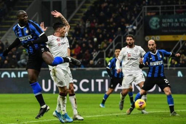 Belgen in het buitenland - Inter met Lukaku, die twee keer scoort, is in beker te sterk voor Cagliari en Nainggolan