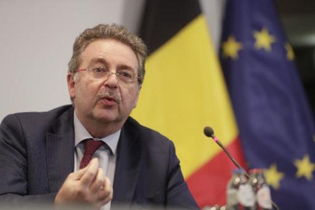 Sauf le masque et l'alcool, Bruxelles s'aligne sur les consignes fédérales