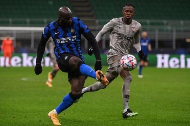 Belgen in het buitenland - Inter klopt Napoli dankzij penaltygoal Lukaku, blessure voor Mertens
