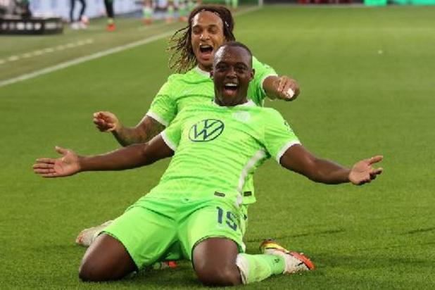 Belgen in het buitenland - Wolfsburg wint tegen Leipzig en staat aan kop in Duitsland, Wolverhampton verliest opnieuw