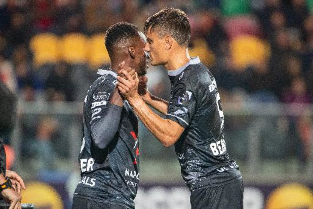 Jupiler Pro League - Jelle Vossen zorgt voor Waregemse driepunter in Oostende