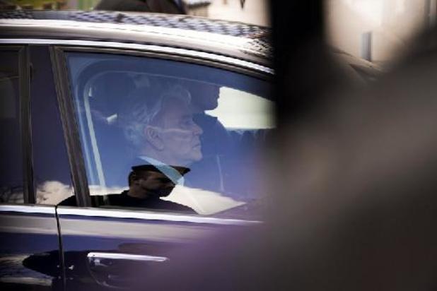 """Bernard Tapie, le """"Phénix"""", est mort à 78 ans d'un cancer"""