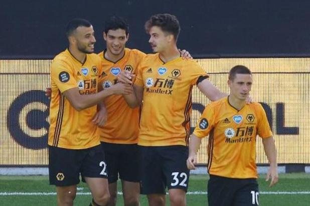 Wolverhampton, avec Dendoncker buteur, bat Everton et garde espoir pour une place en C1