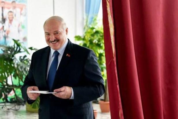 Le président bélarusse Loukachenko remporte la présidentielle avec 80,23% des voix