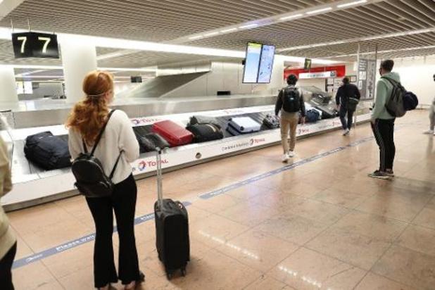 Encore aucune amende pour les voyageurs qui ne se font pas tester