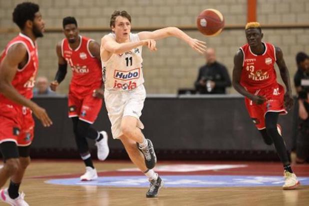 Leander Dedroog prolonge pour trois saisons avec Limburg United