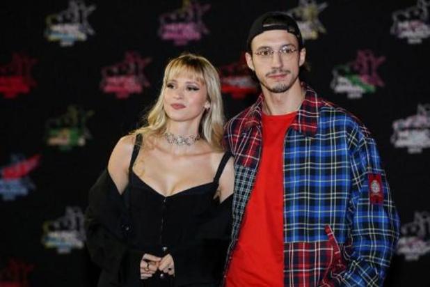 Angèle en Roméo Elvis grote winnaars van D6bels Music Awards