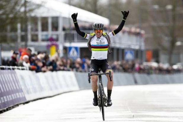 Circuit Het Nieuwsblad: victoire de la championne du monde Annemiek van Vleuten chez les dames
