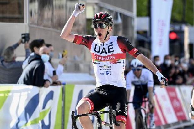 Tadej Pogacar (UAE Team Emirates) remporte au sprint la 107e édition devant Alaphilippe