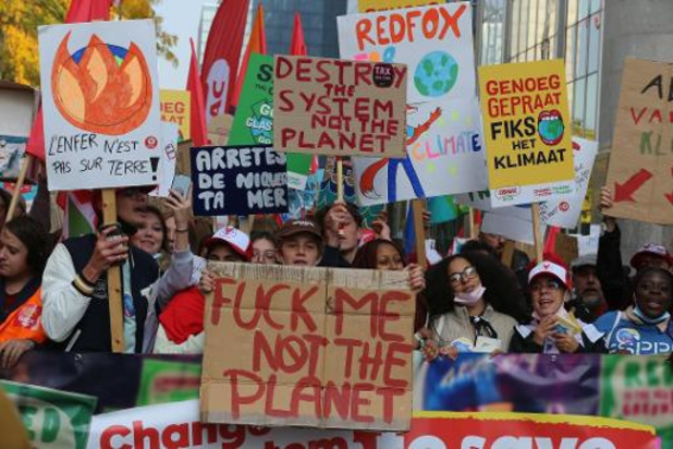 """Klimaatmars: Klimaatactivisten kondigen nieuwe """"spijbelacties"""" aan in oktober"""
