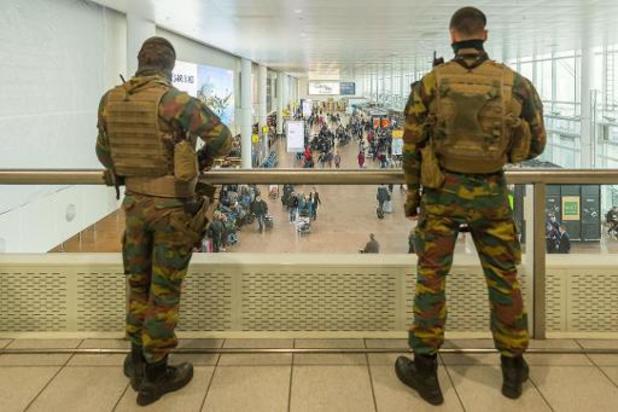 Politie neemt bewaking openbaar vervoer opnieuw over van militairen