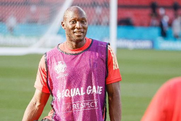 Romelu Lukaku et les Diables applaudiront à la 10e minute du match contre les Danois