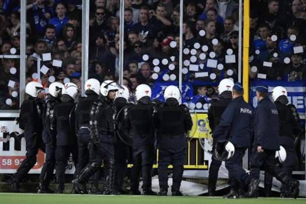 Jupiler Pro League - Saint-Trond/Genk arrêté à 3-3 en raison du comportement des supporters