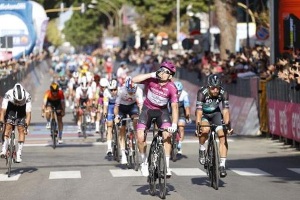 Passe de trois pour Arnaud Démare qui remporte le 7e étape du Giro, Almeida reste en rose