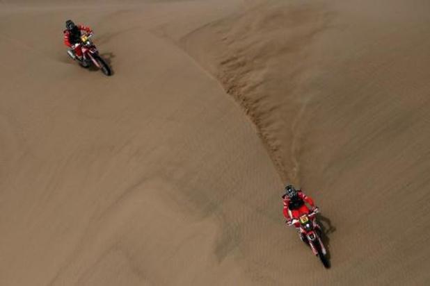 L'Argentin Kevin Benavides (Honda) remporte la 43e édition du Dakar en moto pour la première fois