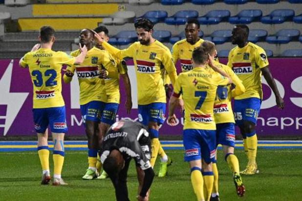 1B Pro League - Westerlo s'impose 4-0 contre Deinze et talonne Seraing pour la 2e place