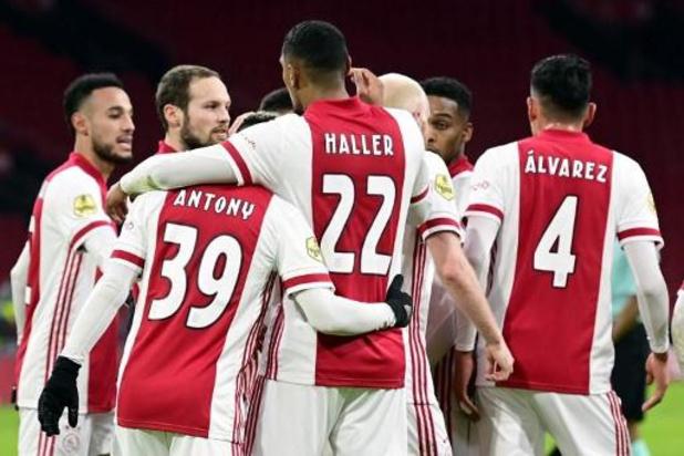 Belgen in het buitenland - Haller schiet Ajax naar zege op PSV en halve finale Nederlandse beker