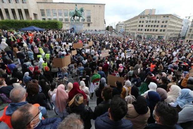 Duizendtal aanwezigen op betoging tegen hoofddoekenverbod in hoger onderwijs