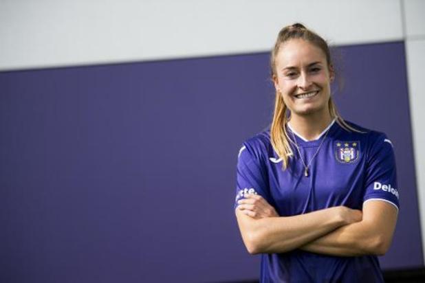 """Tessa Wullaert speelt opnieuw in België: """"Fier om voor Anderlecht te mogen voetballen"""""""