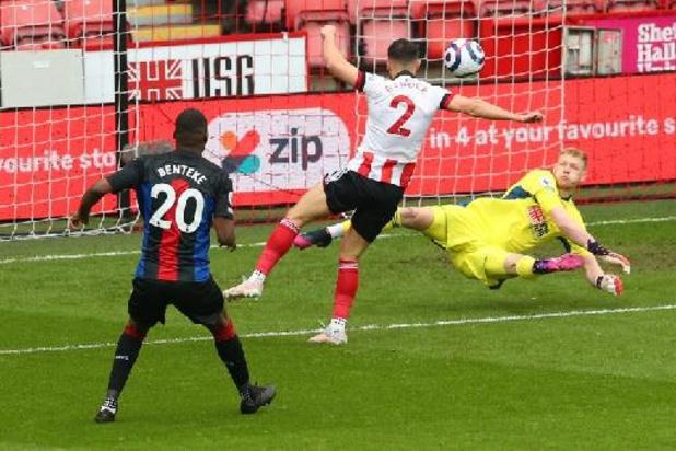 Belgen in het buitenland - Crystal Palace dankt Benteke voor vroege goal en is zeker van behoud