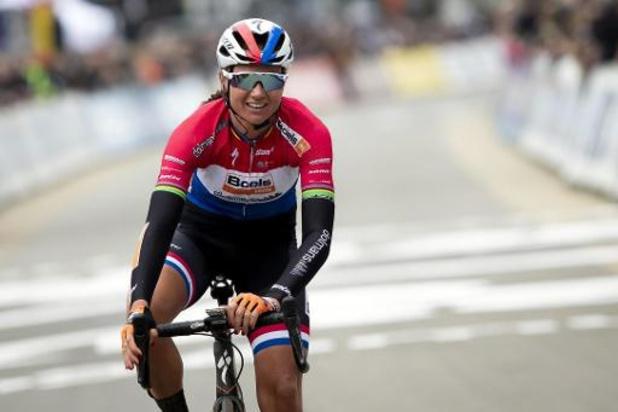 Première victoire de la saison pour Chantal Blaak qui remporte son troisième Samyn
