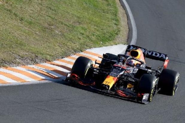 Max Verstappen gagne devant son public et prend la tête du championnat