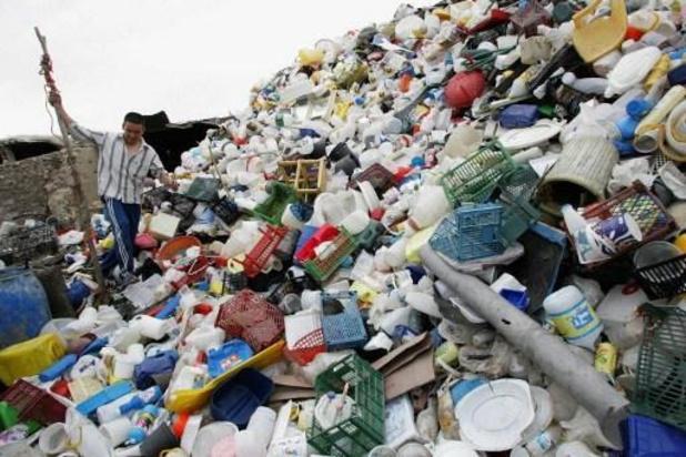 Une proposition de loi pour interdire le plastique à usage unique approuvée en Commission