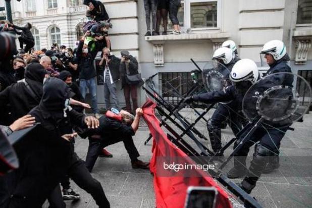 Gemeenschapsdienst voor 17-jarig meisje dat betrokken was bij rellen op 7 juni