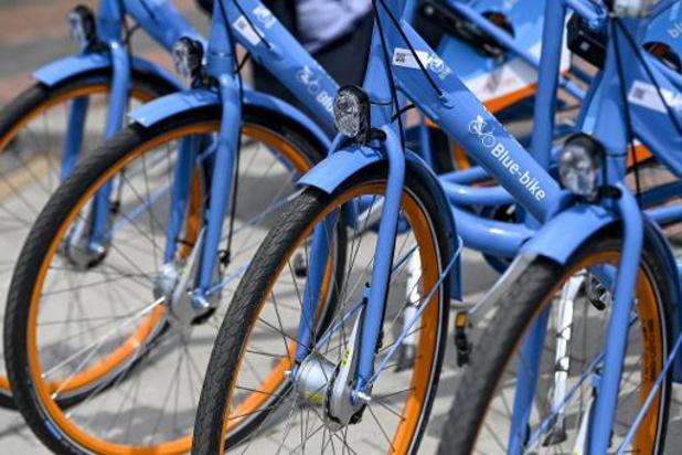 Journée mondiale du vélo: des cyclistes applaudis dans tout le pays