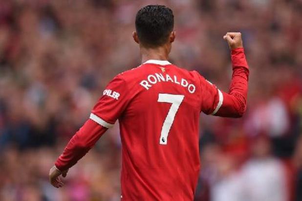 Premier League - Cristiano Ronaldo helpt Manchester United aan de zege met twee goals bij rentree