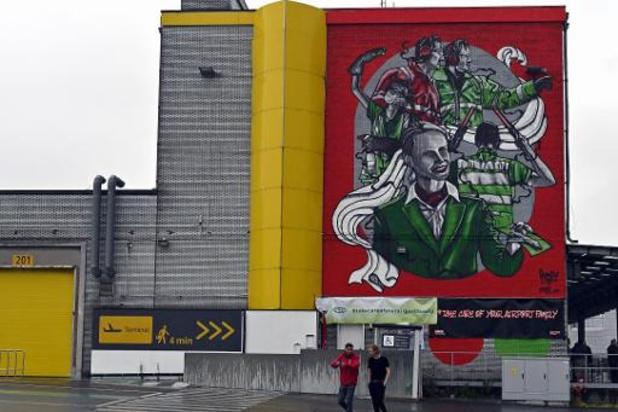 Une fresque de graffitis à Zaventem en l'honneur du personnel aérien durement touché