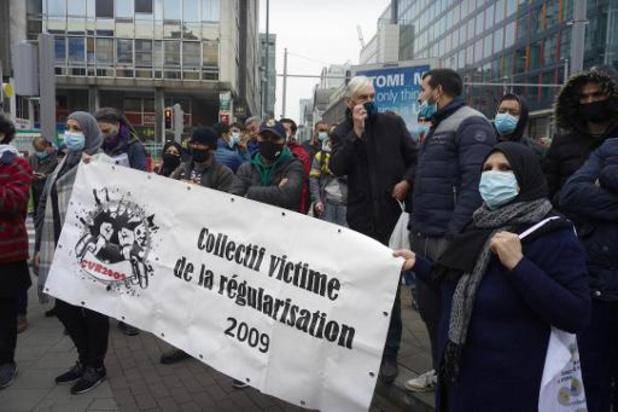 Manifestation de sans-papiers devant le siège du gouvernement fédéral à Bruxelles