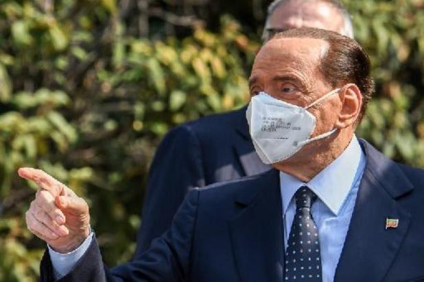 Omkoopproces Berlusconi opnieuw uitgesteld wegens zijn gezondheidstoestand