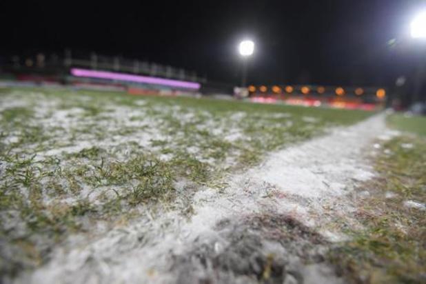 """Waasland-Beveren en Oostende riskeren zware boete: """"Velden moest speelklaar zijn"""""""