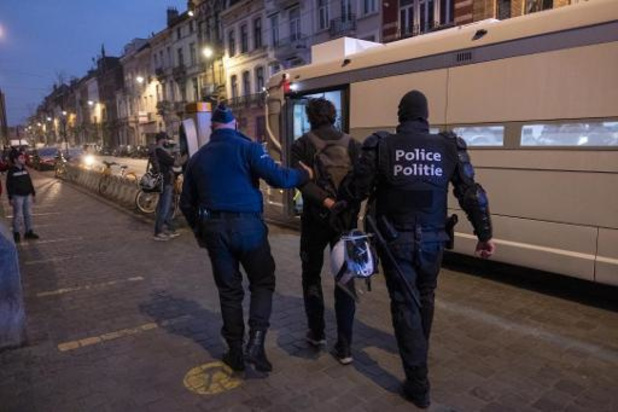 Entre 80 et 90 arrestations administratives après un rassemblement pour Adil à Anderlecht