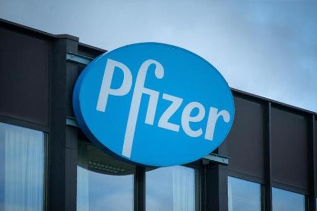 Le commissaire européen Thierry Breton en visite chez Pfizer à Puurs